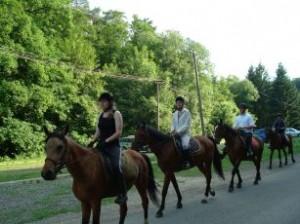 Menetben lovaglás